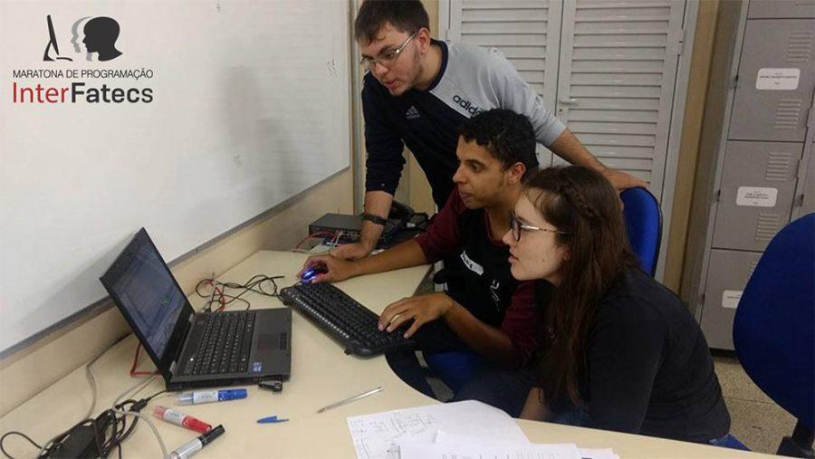 Alunos da Fatec Bragança se classificam para a final da Maratona de Programação InterFatecs